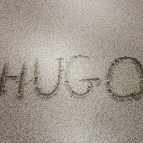 Hugo's name in the sand